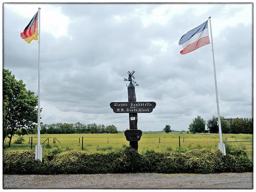 »Tiefste Landstelle der B.R. Deutschland«, Hinter Neuendorf