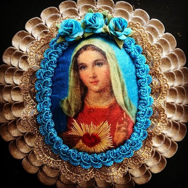 Mary #virginmary #embriodery #bordado #broderie #lace#sacredheart #maryismyhomegirl #roses #handmade