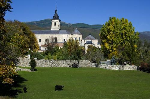Vista del monasterio de El Paular, desde el puente del Perdón. Rascafría, Madrid