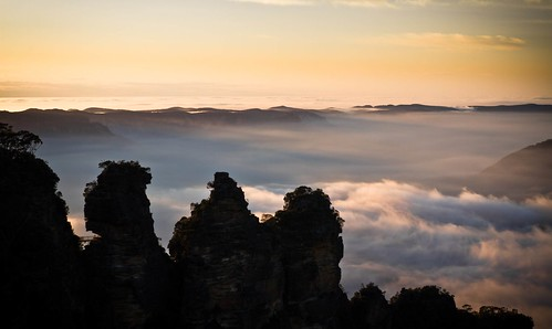 The Three Sisters in the Morning - Blue Mountains, Australia