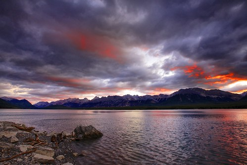 morning red sunrise purple cloudy alberta peterlougheedpark kananaskislake