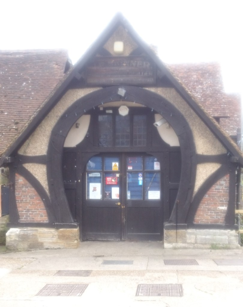 Horseshoe doorway Penshurst