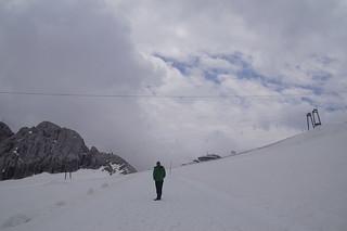 066 Wandeling door de sneeuw