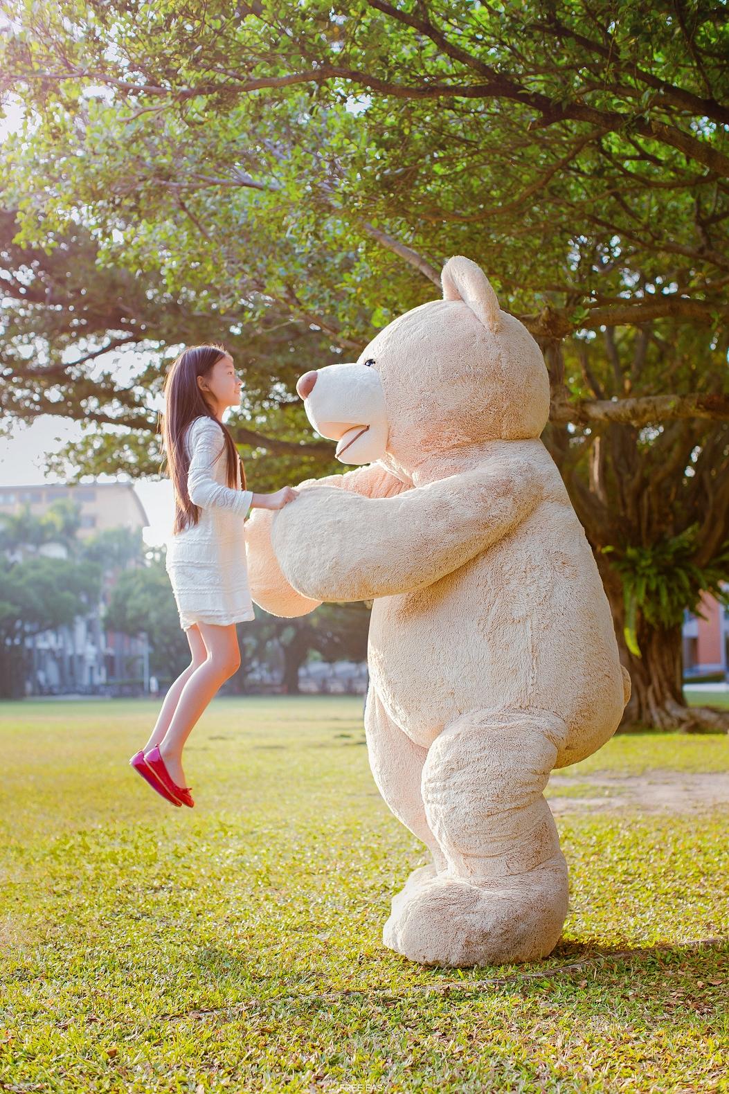 女孩與熊大-1.jpg