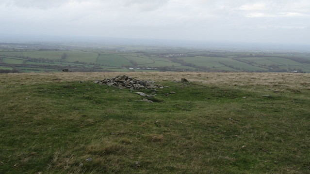 Cairn on Longstone Hill