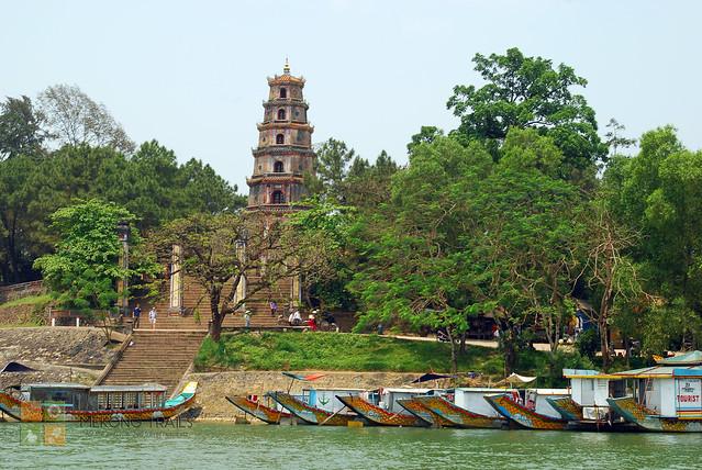 hue-perfume-pagoda