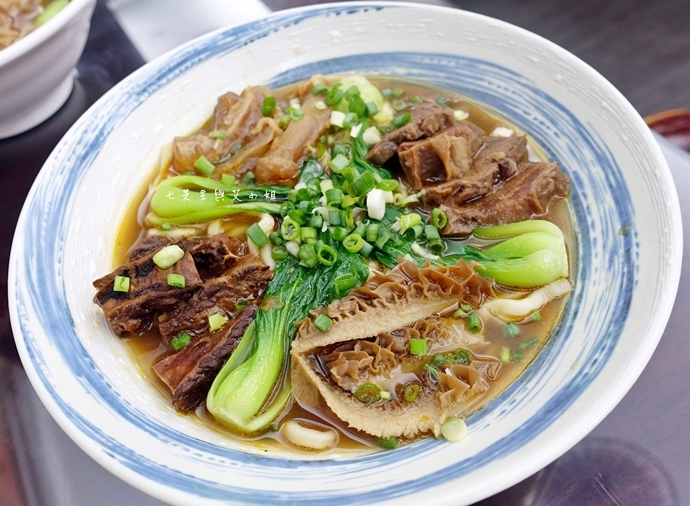 18 神仙川味牛肉麵 第一個被製成日本泡麵的台灣美食