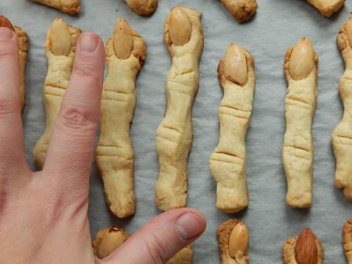 пальцы с моей рукой для сравнения