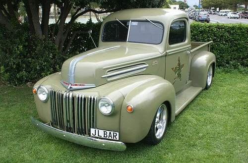1947 Ford V8 pick-up