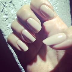 enfim elas cresceram!!!! \o/ e essa semana eu vou assim! #nails #nude