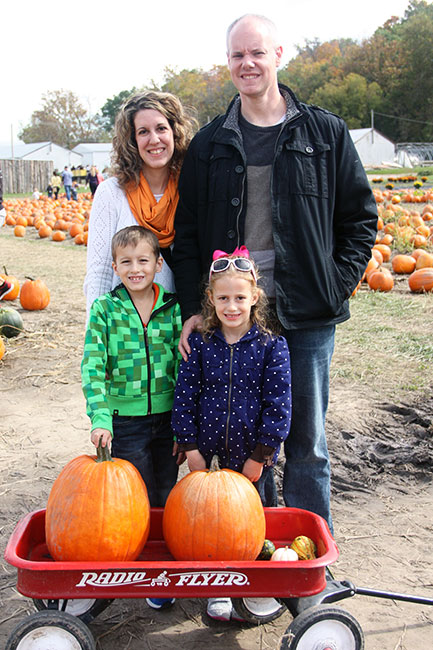 2014-Family-Pumpkin-Pic
