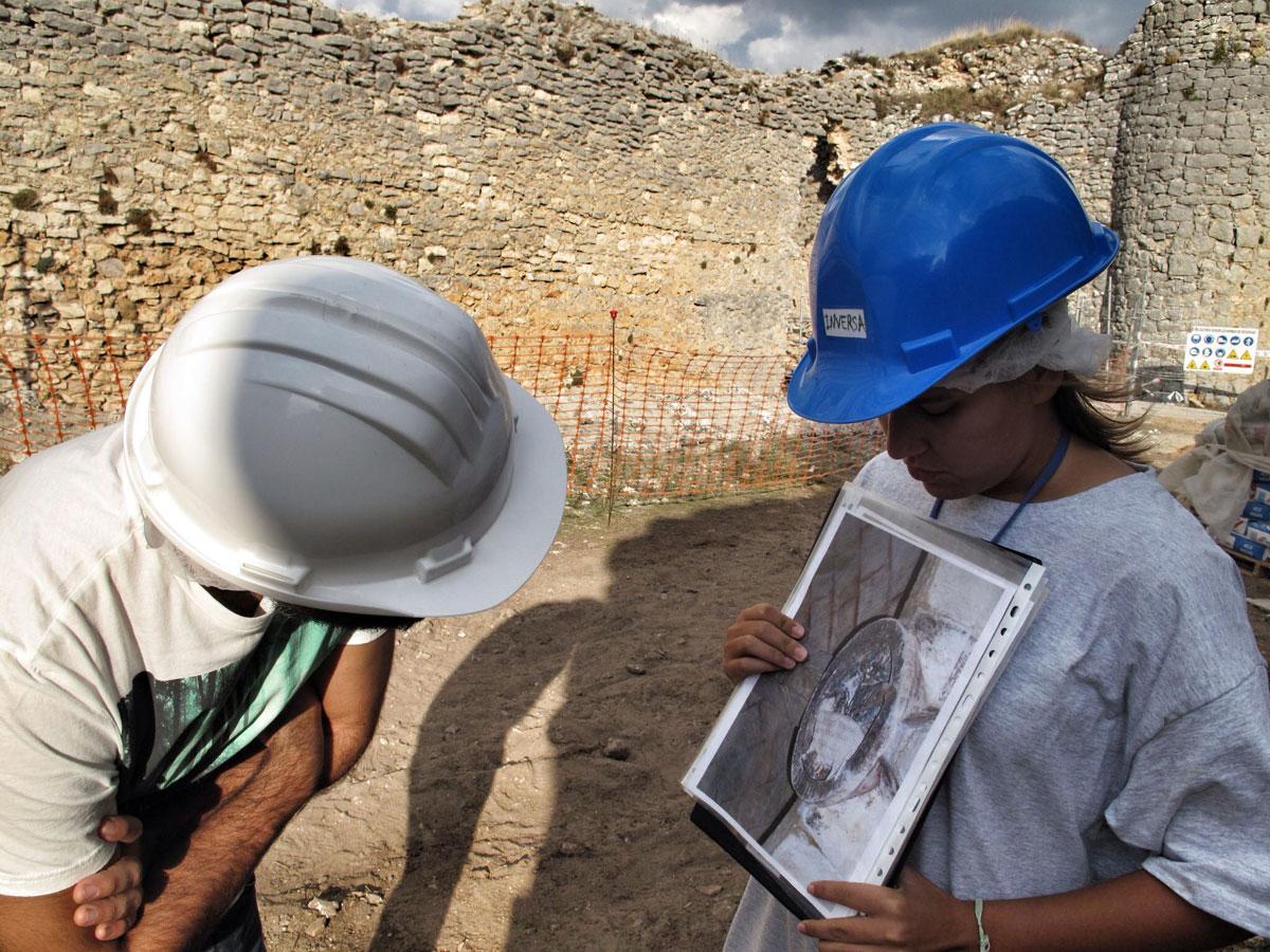 castillo ucero_soria_visita monumentos restauracion_torre homenaje_Agnus Dei_inversa