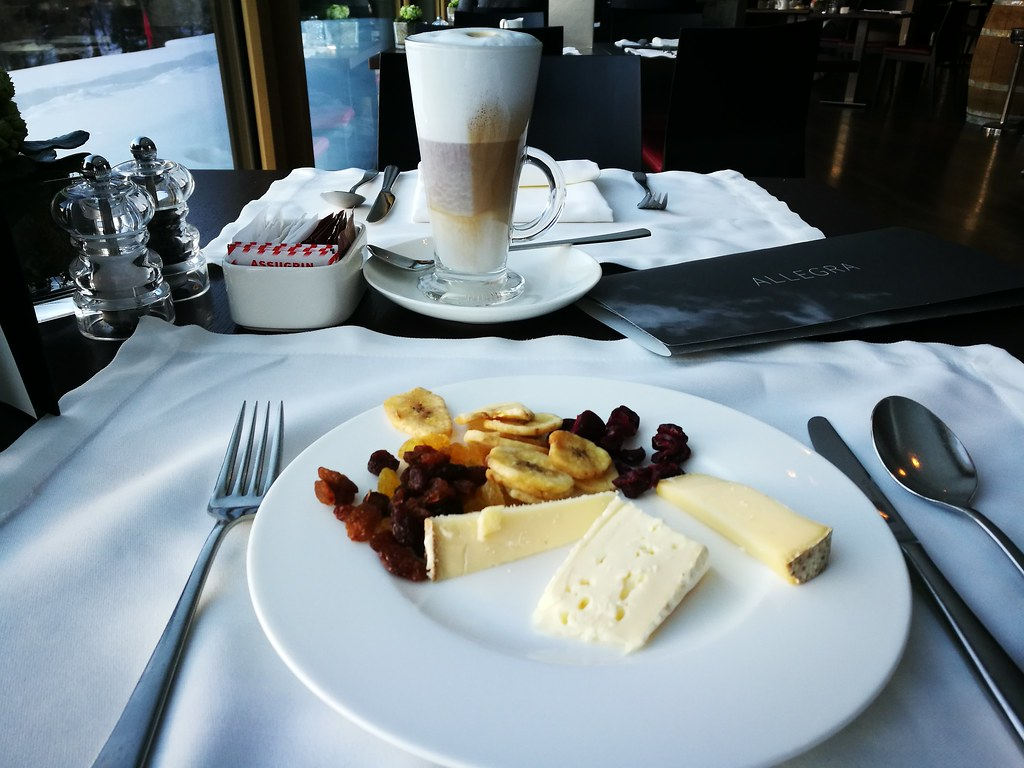 Cheese and latte