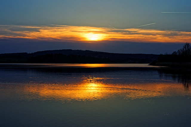 #54 - Sunset by the water / Západ u vody